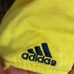 U of M yellow hat